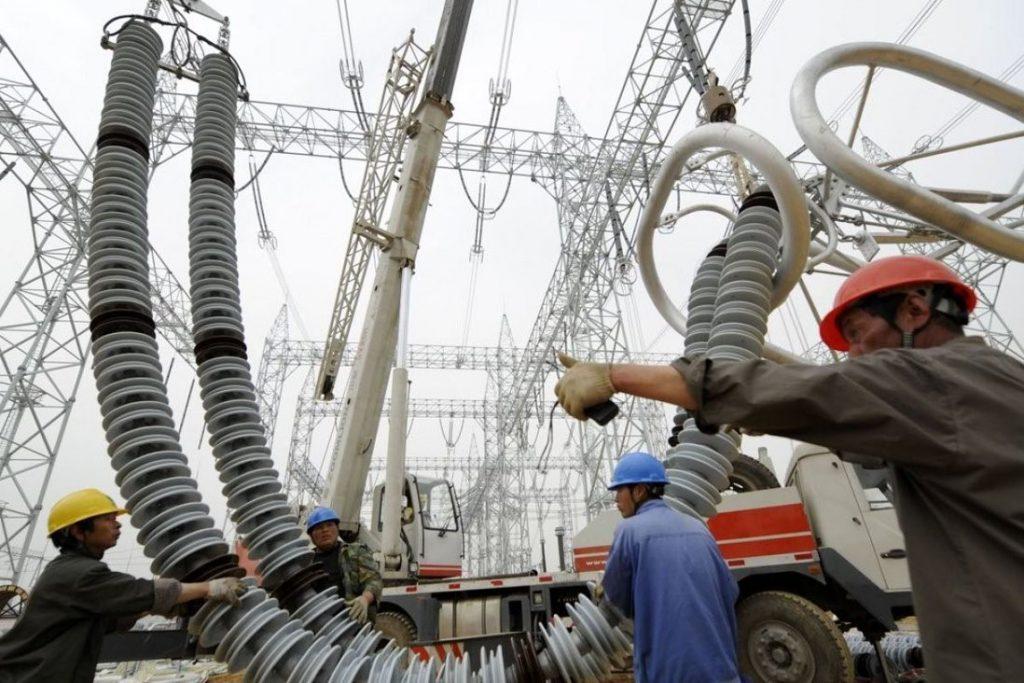 ηλεκτρικούς πυλώνες και υποσταθμός ΔΕΗ - Ηλεκτρομαγνητική ακτινοβολία